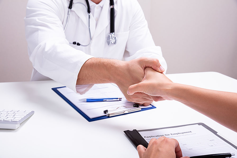 Read more about the article Top 15 Commonly Asked Nursing Interview Questions