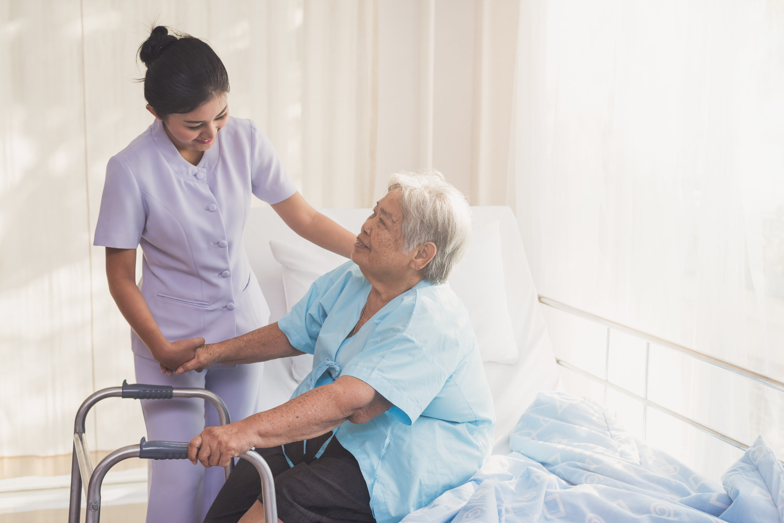 Read more about the article What Does a CNA Do?
